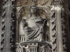 Cathédrale de Chartres Le Grand Oeuvre Alchimique