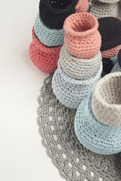 Paper and yarn collection, 2011. Crocheted baskets, vases and a carpet. Photo by Saara Salmi.