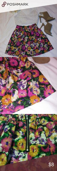 ??FOREVER 21 HIGH-WAISTED FLORAL SKIRT?? Whether its for a girls night out or a school day! This skirt would match with anything and everything! Cute, floral and flowy! The perfect skirt for the summers or spring. ALWAYS OPEN TO OFFERS!! Forever 21 Skirts
