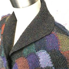 @farwellclay Collar complete, second sleeve underway. #knittersaredoingitforthemselves #knitting #intarsia