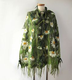 Nuno felted scarf - daisy | Flickr - Photo Sharing! - I like this
