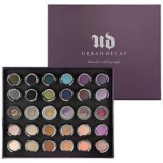 Urban Decay 30-Shade Eyeshadow Vault ----- I NEED IT!