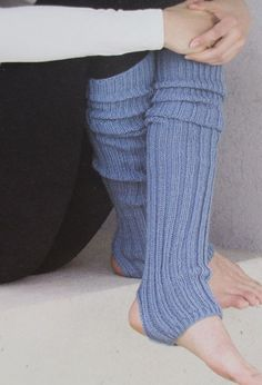 Knitting Projects, Knitting Patterns, Yoga Wear, Pulls, Leg Warmers, Couture, Chant, How To Wear, Florence