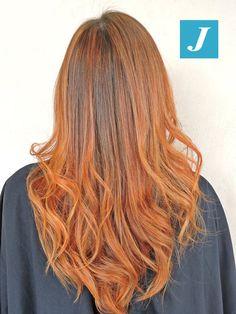 Il rosso vince e diventa il colore hot sui capelli. #cdj #degradejoelle #tagliopuntearia #degradé #igers #musthave #hair #hairstyle #haircolour #haircut #longhair #ootd #hairfashion