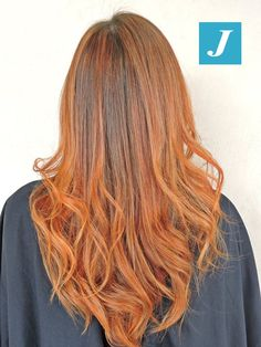 Il rosso vince e diventa il colore hot sui capelli. #cdj #degradejoelle #tagliopuntearia #degradé #igers #musthave #hair #hairstyle #haircolour #haircut #longhair #ootd #hairfashion