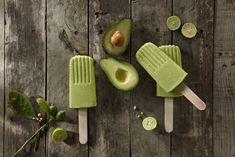 Avocado's zijn heerlijk in salades, smoothies, op brood… Ehm, waar eigenlijk niet in? Wij zijn verslaafd aan deze heerlijk romige én supergezonde vrucht. Op zoektocht naar een zomers recept stuitten we op het goddelijke idee vooravocado ijsjes. Samen met de kokosmelk, room, limoen en een beetje suiker ontstaat er een verrassende smaakcombinatie die niet té […]