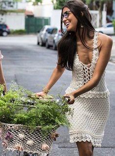 Шикарный сарафан от Vanessa Montoro. Схемы платья крючком.