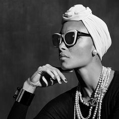 Explore the latest CHANEL Fashion shows, ready-to-wear & Accessories Collections and Haute Couture. Discover all the Fashion news and events on the CHANEL official website. Giorgio Armani, Emporio Armani, Fendi, Gucci, Moncler, Parfum Chanel, Dior, Style Noir, Chanel Sunglasses