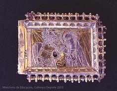 Virgen con un libro abierto, el Espíritu Santo y un rayo de luz.  CE00562
