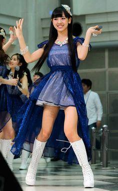 新曲の発売イベントに登場した、モーニング娘。'14の飯窪春菜さん(東京都豊島区)(2014年04月16日) 【時事通信社】