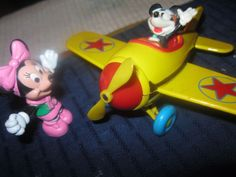DISNEY PVC toys` RARE MICKEY in YELLOW` METAL AIRPLANE` MINNIE WAVING #disney