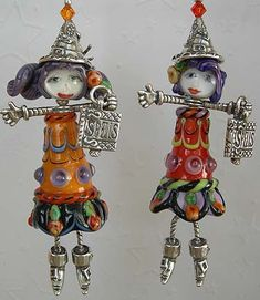 site has Awesome jewelery. check it out! Halloween Earrings, Halloween Jewelry, Holiday Jewelry, Halloween Crafts, Halloween Tricks, Spooky Halloween, Jewelry Crafts, Jewelry Art, Jewelry Design