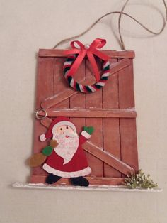 Learn how to make Easy Christmas Crafts for Kids with these amazing Popsicle Stick Christmas Ornaments. Popcycle Stick Ornaments, Popsicle Stick Christmas Crafts, Easy Christmas Ornaments, Christmas Crafts For Kids To Make, Popsicle Stick Crafts, Handmade Christmas Decorations, Craft Stick Crafts, Kids Christmas, Holiday Crafts