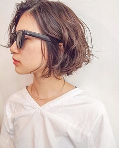 試してみたいこと White Things the white color series Cute Medium Length Hairstyles, Short Bob Hairstyles, Medium Hair Styles, Curly Hair Styles, Cool Hairstyles, Hair Arrange, Corte Y Color, My Hairstyle, Trending Hairstyles