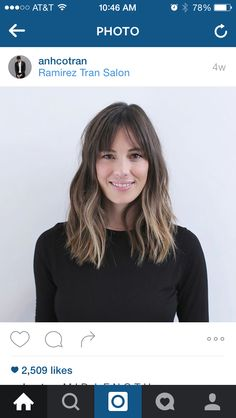 42 Cool-Girl Hairstyles With Bangs - theFashionSpot There are some good hairstyles in here for when growing bangs out Bangs With Medium Hair, Medium Hair Styles, Short Hair Styles, Lob Hair With Bangs, Medium Hairstyles With Bangs, Lob Bangs, Parted Bangs, Cool Hairstyles For Girls, Pretty Hairstyles