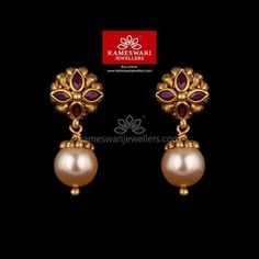 gold jewelry Antique Ruby With Pearl Hanging - Gold Jhumka Earrings, Buy Earrings, Jewelry Design Earrings, Gold Earrings Designs, Tiny Stud Earrings, Gold Jewellery Design, Antique Earrings, Earings Gold, Gold Choker