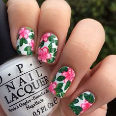 Nail art Christmas - the festive spirit on the nails. Over 70 creative ideas and tutorials - My Nails Nail Art Designs, Flower Nail Designs, Nails Design, Cute Nail Art, Cute Nails, Hawaiian Flower Nails, Hawaiian Nail Art, Floral Nail Art, Trendy Nails