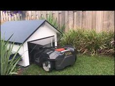 Mähroboter Garage aus Holz, mit Tor und Solar LED und mit