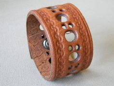 Brown Leather Cuff Bracelet for Men by MarinasSoul on Etsy. Tandy Leather, Leather Art, Custom Leather, Leather Cuffs, Leather Tooling, Leather Necklace, Leather Jewelry, Leather Bracelets, Male Jewelry