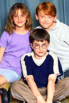Growing Up Harry Potter: Daniel Radcliffe Emma Watson Rupert Grint so little! The post Growing Up Harry Potter: Daniel Radcliffe Emma Watson Rupert Grint appeared first on Film. Harry Potter Tumblr, Harry Potter Anime, Art Harry Potter, Fans D'harry Potter, Harry Potter Pictures, Harry Potter Characters, 3 Characters, Daniel Radcliffe Movies, Daniel Radcliffe Emma Watson