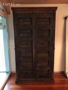 Armadio Antico   Vendo Armadio Antico In Legno Palissandro Del 1600 .  Misure : Altezza 2m12cm