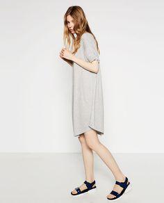 18€ JUN16 blanco roto tb Imagen 4 de CAMISETA LARGA CADENA de Zara
