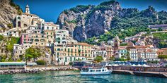 Amalfi is the most popular town on the Amalfi Coast in Italy. Things to do in Amalfi: visit the amalfi cathedral, drink a limoncello and enjoy a boat trip. Perfect Image, Perfect Photo, Love Photos, Cool Pictures, Famous Monuments, The Cloisters, Hidden Beach, Rest Of The World, Amalfi Coast
