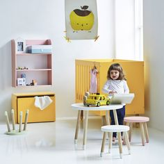 Child Table Flexa Play Children- A large selection of Design on Smallable, the Family Concept Store - More than 600 brands. Inspiration For Kids, Nursery Inspiration, Kids Bedroom Storage, Kids Stool, Kid Table, Play Table, Kids Lighting, Kids Corner, Room Themes