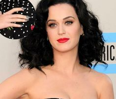 Katy Perry Polka dots ~ Celebrity Nails