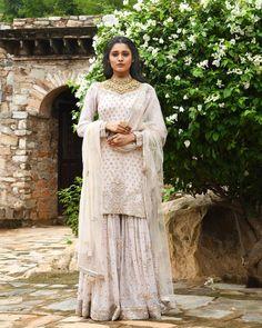 Pinterest: @ameensandhu #indian #traditional #pakistani #punjabi #fashion #ethnic #embroidery #dabka #zari #zardosi #zardozi #embroidered #suit #salwar #kameez #salwarkameez #ghagra #lehnga #lehenga #sari #saree #choli #womensfashion #clothing #clothes #attire #indianfashion #indianclothing #indianattire #indianoutfits #desi #desifashion #desiclothes #desidesigns #couture #ckikankari #lucknawi #lucknowi #mukaish #dupatta #chunni #tunic #kurti Indian Attire, Indian Outfits, Indian Fashion, Punjabi Fashion, Womens Fashion, Indian Look, Fall Winter, Autumn, Desi Clothes