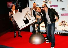 Brian Littrell and Nick Carter Photos Photos - Brian Littrell, Howie Dorough, Nick Carter and A. J. McLean of Backstreet Boys attend the Pete Wentz Backstage Digital Show during the 2009 MTV Europe Music Awards held at the O2 Arena on November 5, 2009 in Berlin, Germany. - MTV Europe Music Awards 2009 - Backstage Boards