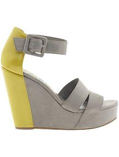 color block. love the combination. im obbesssed with gray and yellow for spring :)