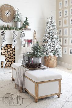Farmhouse style christmas decor and decorating ideas for the living room.