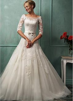 Glamorous Tulle Bateau Neckline Dropped Waistline A-line Wedding Dress With Lace Appliques