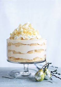 This could be a perfect holiday buffet dessert - White Chocolate Tiramisu Trifle with Spiced Pears