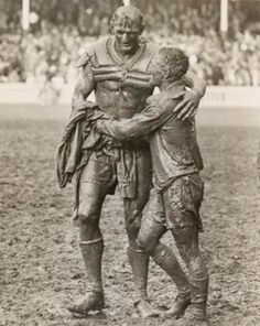 Opposing team captains Norm Provan and Arthur Summons embrace after the 1963 Australian rugby league final. [[MORE]] Solsken: This image has gone on to become the basis of the trophy that the winner of the national rugby league competition of. Australian Rugby League, Australian Football, Iconic Photos, Old Photos, National Rugby League, Rugby Men, Rugby Players, Sports Memes, Sports Photos