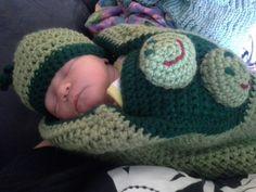 Peapod baby cocoon