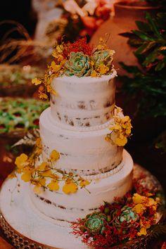 Com olhar apurado, Constance Zahn faz uma curadoria de imagens e referências nacionais e internacionais do universo dos casamentos, com o intuito de inspirar e informar noivas, mães e madrinhas.