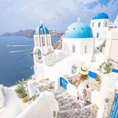 Santorini. Walk with me through magical paths @ceciljamesfashion #santorini #greece