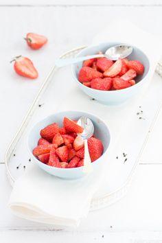 salade de fraises au vinaigre blanc balsamique poivre vOatsiperifery et vanille