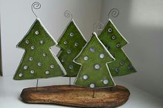 Vianočné stromčeky – 4 / DesignLCH – Hobbies paining body for kids and adult Ceramic Christmas Decorations, Ceramic Christmas Trees, Diy Christmas Ornaments, Diy Christmas Gifts, Christmas Art, Christmas Projects, Christmas Themes, Holiday Crafts, Xmas