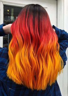 Hottest Red Orange Hair Color Combinations in 2018 See here the hottest red and orange hair color combinations for women to show off right now. This is one of the best ways in hair coloring techniques to spice up your looks. Red is such a stylish and best Brown Hair Dyed Red, Orange Ombre Hair, Ombre Hair Color, Cool Hair Color, Purple Hair, Peach Orange, Blue Ombre, Light Orange, Burnt Orange