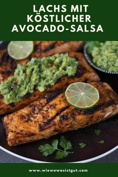 Die Marinade vom Lachs ist so köstlich und in Kombination mit Avocado so gut. Wer noch nie Avocado in Verbindung mit Lachs probiert hat, sollte das unbedingt machen. Das ergänzt sich super. Natürlich ist der Lachs nicht nur für den Grill gedacht, sondern man kann diesen auch in einer Auflaufform im Backofen oder in der Pfanne anbraten. #lachs #thermomix #avocado Salsa, Foodblogger, Food Blogs, Fabulous Foods, Summer Vibes, Barbecue, Avocado, Recipes, Best Healthy Recipes