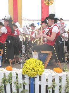 Pfullendorf Musikprob BauFachForum Baulexikon Seepark Pfullendorf zum Thema: Kein Bürgermeisterwahl ohne Blasmusik!!!!! Dank den Musikern für Ihre Bereitschaft Ihre Freizeit für die Allgemeinheit der Musik zu widmen.