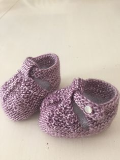 Ravelry: BobbiB's Baby Booties for Sarah