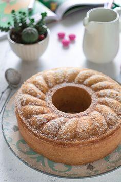 CIAMBELLA AL LATTE CALDO Latte, Torte Cake, Prosciutto, Scones, Biscotti, Doughnut, Food To Make, Treats, Sweet