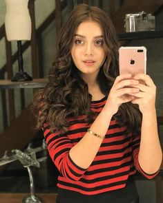 Beautiful Alizeh shah is a Pakistani actress and model. Her performance as Palwasha in Ishq Tamasha earned her Hum Award for Best Television Sensation. Cute Girl Photo, Girl Photo Poses, Girl Photography Poses, Girl Poses, Pakistani Girl, Pakistani Actress, Pakistani Models, Pakistani Dresses, Stylish Girls Photos