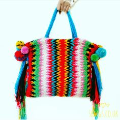Miki from SetFreeMyGypsySoul has designed a beautiful Boho Spike Stitch bag for you to make with Paintbox Yarns Simply Chunky yarn!