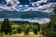 Quila Quina sobre el lago Lacar en San Martín de los Andes. Ruta 40 en la Patagonia. http://www.turismoruta40.com.ar/san-martin-de-los-andes.html#quilaquina