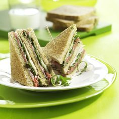 Clubsandwich carpaccio http://www.brood.net/recepten/vlees/carpaccio-clubsandwich